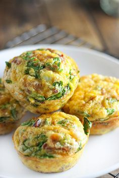 On-The-Go Breakfast Muffins – A quick and easy way to get your eggs to go. Loaded with bacon bits, cheddar cheese and spinach! On-The-Go Breakfast Muffins – A quick and easy way to get your eggs to go. Loaded with bacon bits, cheddar cheese and spinach! Breakfast Bites, Paleo Breakfast, Breakfast Cooking, Breakfast Egg Muffins, Breakfast To Go, Breakfast In Muffin Tins, Quick Easy Breakfast, Breakfast Recipes With Eggs, Breakfast Ideas For Toddlers