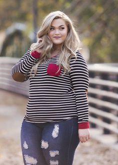 Gorgeous 41 Affordable Hairstyles Ideas For Plus Size Women In 2019 Curvy Girl Fashion, Cute Fashion, Plus Size Fashion, Fashion Outfits, Fashion Vintage, Looks Plus Size, Plus Size Model, Plus Size Jeans, Plus Size Tops