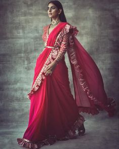 Fresh Look Fashion presents designer Ruffle Saree and Frill Saree Online so its easy to buy your favorite Fringe saree online. Lace Saree, Saree Gown, Organza Saree, Net Saree, Chiffon Saree, Saree With Pants, Sari Bluse, Stylish Sarees, Trendy Sarees