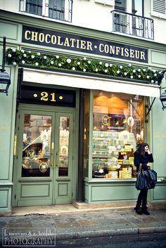 Chocalatier-Confiseur à St-Germain-des-Prés (Paris, France). Photo: theos pi photography