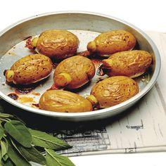 Ricetta Patate al forno farcite di bacon, acciughe e salvia