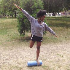 Now that's what I call balance and control lol! #fitness #pilatesbody #pilates #sabrinasopilates
