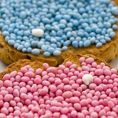 Dutch beschuit met roze, blauwe en witte muisjes (rusk with sugared aniseed sprinkles)