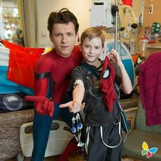 [NEW] Tom visiting a Children's Hospital in Los Angeles a few weeks ago!  @tomholland2013 | #tomholland #spiderman
