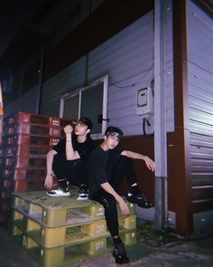 00 line of straykids being swag // hyunjin & han jisung K Pop, Rapper, Lgbt, Baby Squirrel, Wattpad, Ulzzang Boy, Kfashion Ulzzang, Kpop Boy, Boyfriend Material