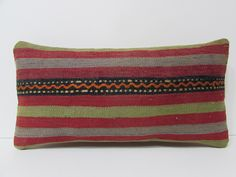 red kilim pillow sham coral kilim pillow cover slipcover kilim pillow cover zippered lumbar pillow case bedroom ethnic pillow lumbar 19911 par DECOLICKILIMPILLOWS sur Etsy https://www.etsy.com/fr/listing/243201212/red-kilim-pillow-sham-coral-kilim-pillow