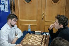Tradewise Chess       @GibraltarChess   16 hil y a 16 heures  Plus  Two french 🇫🇷 friends in battle on board 4 in #GibChess round 8. @Vachier_Lagrave vs. Jules Moussard