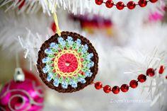 crochet Christmas mosaic circle ornament