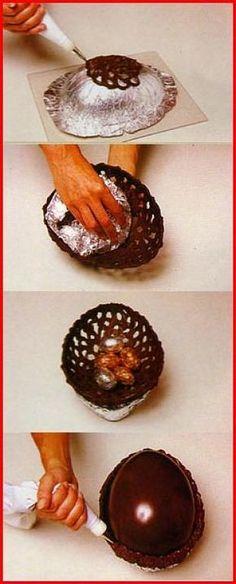 Huevo de chocolate calado