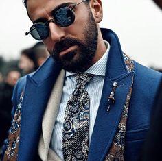 Retro Sunglasses, Round Sunglasses, Men's Fashion, Beard Fashion, Beard Model, American English, Street Style, Fashion Labels, Beard Styles