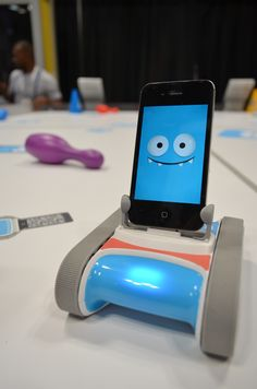 This Iphone Robot Named Romo Combines Cool Tech With A Great Robotic Personality Gadgetsnew