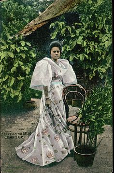 lady in traditional filipina clothes Filipiniana Dress, Filipino Fashion, Philippines Culture, Filipino Culture, Aesthetic Painting, Painting Wallpaper, Women In History, Pictures To Paint, Pinoy