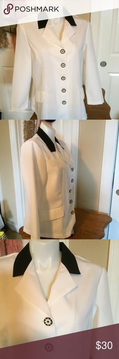 LN LOVELY JACKET W/LOTS OF DETAILS. SASSY & CLASSY Doesn't get any better then BLK & WHT for a fresh look. 5 BLK & WHT floral buttons really sets this jacket off This is a keeper.❤️ Flat Pockets & stream lined darts makes this Jacket so figure flattering. Fabric is 100% Polyester but feels like linen without the wrinkles.  Machine Wash Cold. ELIZABETH WILLIAMS Jackets & Coats Blazers