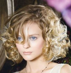 short-hair-curly-oval.jpg 685×703 pixels