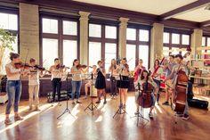 Ein die Landesgrenzen überschreitendes Jugendsymphonieorchester für Österreich, Deutschland, Schweiz und Liechtenstein.