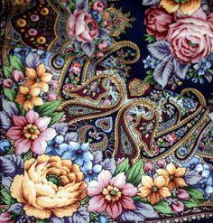 """Многоцветная шаль из уплотненной шерстяной ткани с шелковой бахромой """"Остановись, мгновенье..."""", вид 14, 148х148см Художник: Жукова Елена"""