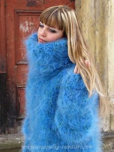 Thick Sweaters, Cardigan Sweaters For Women, Wool Sweaters, Turtleneck Outfit, Sweater Outfits, Kreative Jobs, Gros Pull Mohair, Extreme Knitting, Angora Sweater