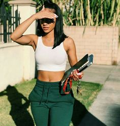 college outfits for going out Chill Outfits, Summer Outfits, Casual Outfits, Cute Outfits, Black Girl Fashion, Look Fashion, Fashion Outfits, Icy Girl, Look 2018