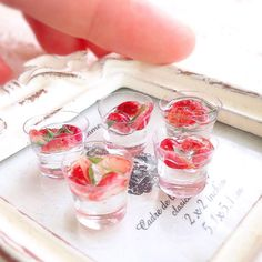 Vodka jelly w strawberries