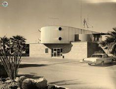 The Salton Sea History Museum Monuments, Salton Sea California, Mid Century Exterior, Unusual Buildings, Minimal Living, Strange Places, Architecture Photo, History Museum, Mid Century Design