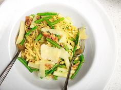 Lemony Pasta with Asparagus and Bacon