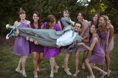 We love that these bridesmaids are up for anything | Marisa Nicole Events