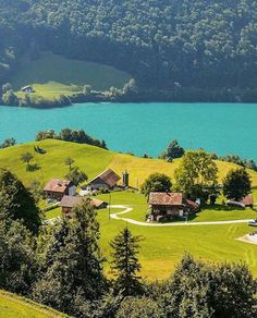 Hotels-live.com/cartes-virtuelles #MGWV #F4F #RT Lungern Switzerland. Photo Credit: @sennarelax. Tag: #lifeonourplanet by lifeonourplanet https://www.instagram.com/p/BD8_AWbCSfv/