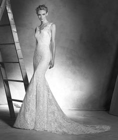 Pronovias 2018 / The wisdom and skill of expert seamstresses transform fine fabrics into haute couture designs. These wedding dresses are pure magic. Pronovias has designed a collection to enchant not only romantic, classic brides, but also modern. Wedding Dresses With Straps, 2016 Wedding Dresses, Wedding Suits, Wedding Gowns, Dresses 2016, Wedding Robe, Bridal Gowns, Ingrid, Pronovias Wedding Dress
