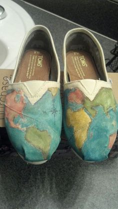 Toms Map Shoes...would be so fun to put a dot or star to everywhere I've been!