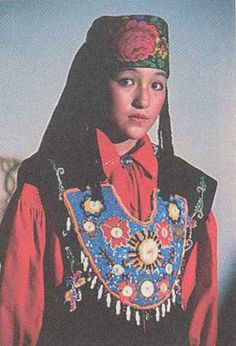 The Khakas national culture contains the brightest colourite of historical heritage of Kyrgyz people and of previous Persian, Chinese, Mongolian, Scythian, Hun and some Finno-Ugric tribes like the Samoyeds, Samody and Kets. Together with that the Khakas culture bears the parts of a common cultural heritage that is left for us up to thousands of years ago by our ancestors who had lived on Khakas land in previous historical periods like Tazmin, Afanasievo, Andronovo, Karasuk, Tagar…