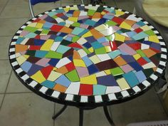 Table top with black and white border and lively crazy quilt center Mirror Mosaic, Mosaic Art, Mosaic Glass, Mosaic Tiles, Glass Art, Mosaic Crafts, Mosaic Projects, Mosaic Designs, Mosaic Patterns