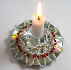 Beaded design on recycled CD for candle holder no pattern Preschool Crafts, Crafts For Kids, Diy Crafts, Recycled Cd Crafts, Fun Activities For Kids, Kids Fun, Cd Art, Color Crafts, Recycling