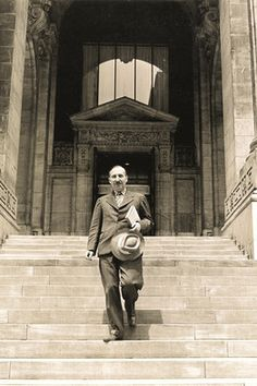 Stefan Zweig on the steps of the New York Public Library in Rainer Maria Rilke, Sigmund Freud, Stefan Zweig, One Decade, Jewish History, New York Public Library, Book Review, Writers, Literature