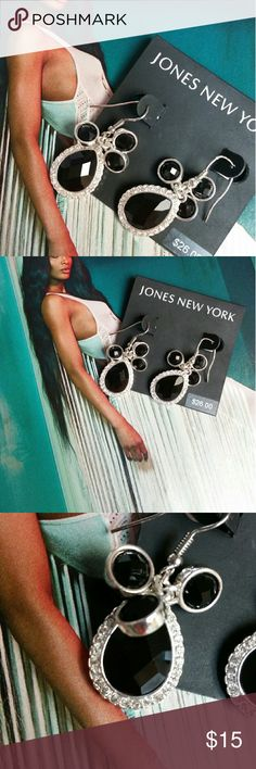 Special Today NWT! Jones New York Sparkle Earrings Jones New York. Gorgeous! These earrings are stunning! I replaced both hooks. 1 broke. Theyre perfect again!! I just dont have time to retake pics! They have brand new hooks. I make jewelry. These are a good size earring too. Black and Crystallized Rhinestones throughout. Jones New York Jewelry Earrings