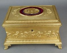 19TH CENTURY DORE BRONZE JEWELLRY BOX