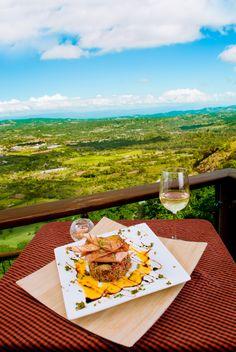 restaurant review photos for Santo Domingo Times magazine. Aroma de la montaña, Jarabacoa