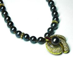 Tahitian Black Pearl Necklace & Earrings
