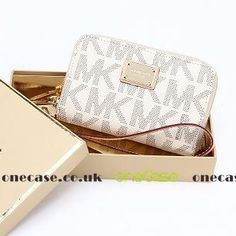 e1ebae6a6766 Check out this White Navy Michael Kors Wristlet Essential Zip Wallet Case  Clutch for Iphone that I found on Ziftit.