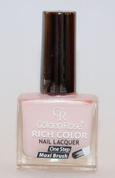 Пастелен лак за нокти в бледо розов цвят с блясък и дълготрайност. Лака е с широка четка, която обхваща цялата нокътна плочка и прави нанасянето много лесно, само с едно движение.