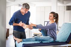 Here& a physical therapy exercise program for posterior tibial tendonitis. Exercise for PTT dysfunction can aid mobility and strength and lessen pain. Ankle Rehab Exercises, Ankle Strengthening Exercises, Foot Exercises, Physical Therapy Exercises, Physical Therapist, Achilles Tendonitis Treatment, Lower Leg Pain, Beauty Routine Planner, Strength And Conditioning Coach