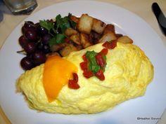 Best Breakfast in Disneyland!  ~Build Your Own Omelet