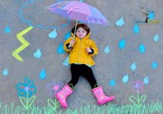 More sidewalk chalk fun. The possibilities are endless, a beach, rainbows, apple picking. So much fun! Chalk Photography, Creative Photography, Children Photography, Chalk Pictures, Chalk Design, Foto Fun, Sidewalk Chalk Art, Chalk Drawings, Chalkboard Art