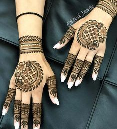 One of the most popular places to have henna is on the hands. So, today we are bringing you 21 amazing henna hand designs that are a work of art! Basic Mehndi Designs, Latest Bridal Mehndi Designs, Henna Art Designs, Mehndi Designs For Girls, Mehndi Designs For Beginners, Dulhan Mehndi Designs, Mehndi Design Photos, Mehndi Designs For Fingers, Beautiful Mehndi Design