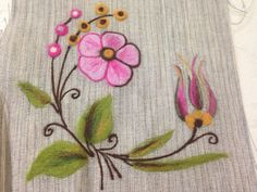 Keçe nakışı Motif Floral, Needle Felting, Wool Felt, Embroidery Designs, Art Drawings, Projects To Try, Pillows, Painting, Craft