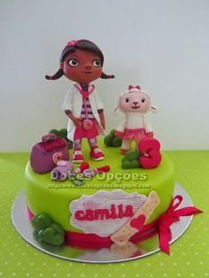 Doces Opções: Bolo com a Doutora Brinquedos para o aniversário d...