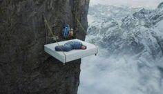 Hoe bergbeklimmers slapen.. Welterust…aaaaaaaaahhhhhhh!