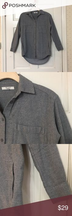 Madewell gray flannel casual button down pockets Cute Madewell flannel shirt. It has pockets! Size XXS but runs oversize and would work for an XS too. It's in good condition— some pilling standard for flannel.  I am prepping to move and happy to accept offers. Check out my other items for bundles! Shop with confidence— I am a Posh Ambassador! 👗👠 Madewell Tops Button Down Shirts