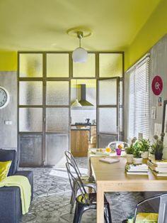 Un appartement à la déco pétillante en Espagne.