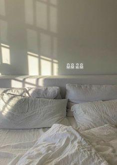 Cheap Home Decor .Cheap Home Decor Aesthetic Bedroom, White Aesthetic, Bedroom Inspo, Bedroom Decor, Decor Room, Cozy Bedroom, Dream Apartment, Deco Design, Dream Rooms