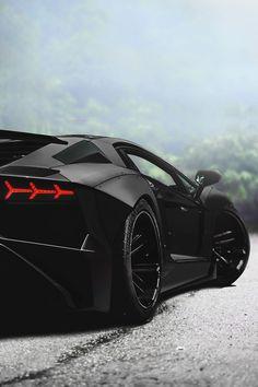 Superior Luxury — envyavenue: Murdered Aventador.